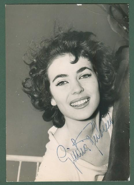 RUBINI GIULIA (Pescara 1935). Attrice italiana attiva negli anni cinquanta e sessanta. Firma autografa