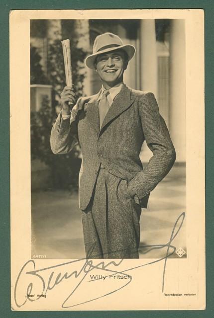 FRITSC WILLY (Katowice 1901 - Amburgo 1973). Celebre attore e cantante tedesco, primo interprete maschile della famosa canzone Lily Marlen. Firma autografa. Circa 1935.