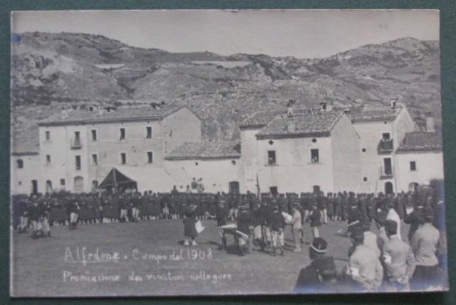 CARTOLINA D'EPOCA - AQUILA. Alfadena. Campo del 1908. Premiazione dei vincitori nelle gare.