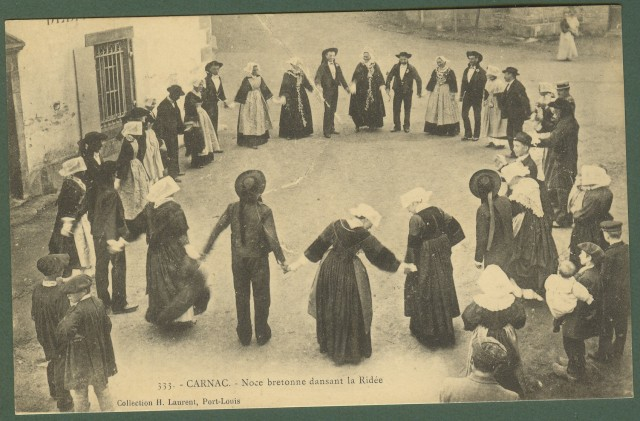 Francia - France. Carnac. Noce bretonne dansant la Ridèe. Non viaggiata, inizio '900.
