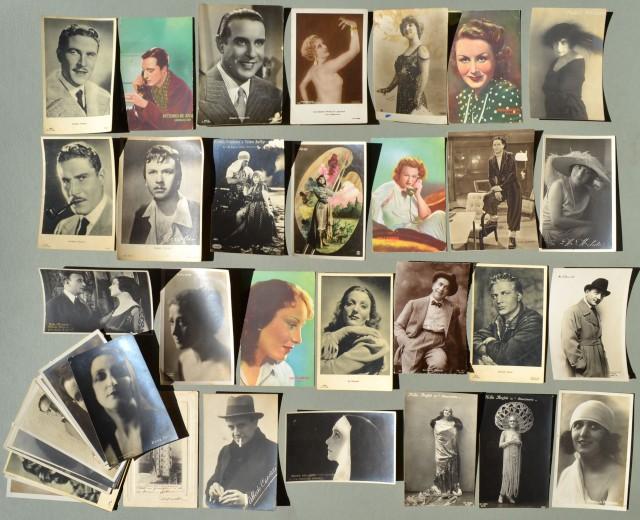 CINEMA. Attori e attrici italiani. Insieme di 43 cartoline d'epoca (6 passate per posta), periodo inizio '900 - anni '40.