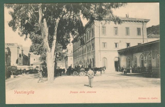 VENTIMIGLIA (Imperia). Piazza della Stazione.