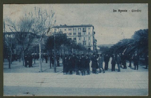LA SPEZIA. I Giardini. Cartolina d'epoca viaggiata nel 1915.