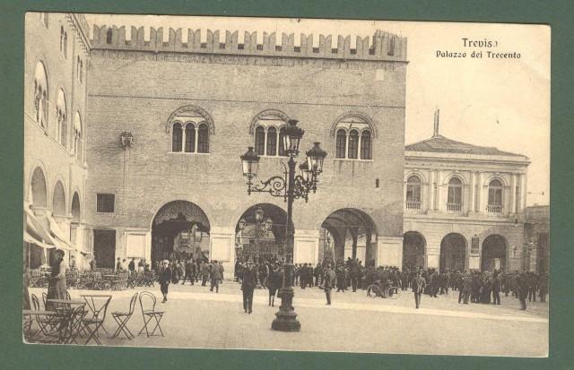 Veneto. TREVISO. Palazzo dei Trecento. Cartolina d'epoca viaggiata nel 1916.