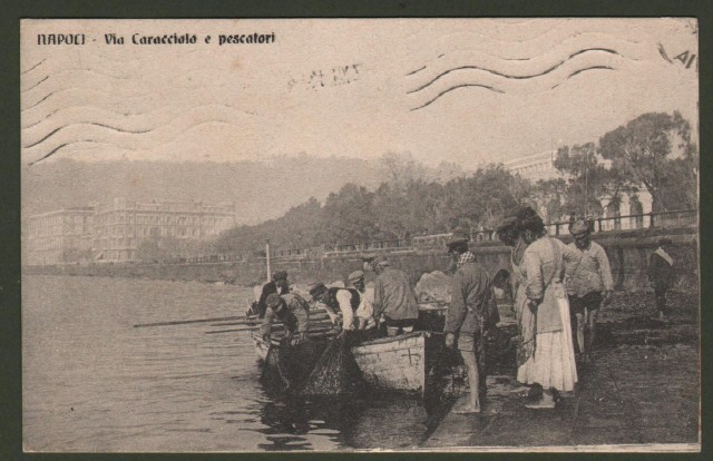 Campania. NAPOLI, Via Caracciolo e pescatori.