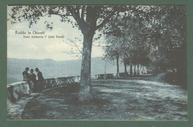 Toscana. RADDA IN CHIANTI, Siena. Viale Umberto I. Cartolina non viaggiata, circa 1925.