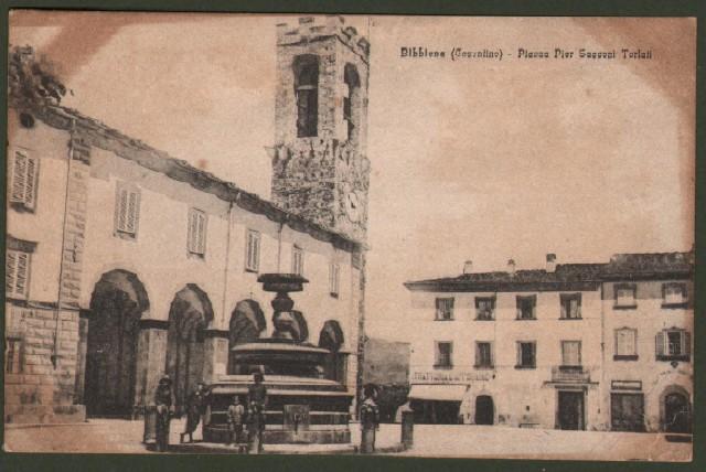 Toscana. BIBBIENA, Arezzo. Piazza Pier Sacconi Tarlati. Cartolina d'epoca non viaggiata, anni '30.