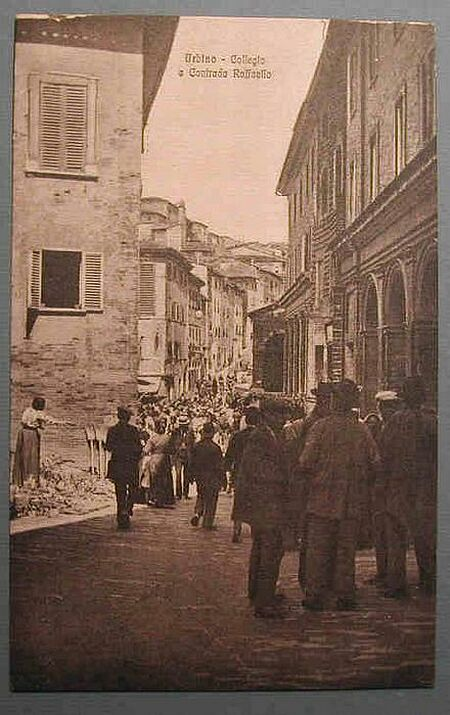 (Marche) Urbino. Collegio e contrada Raffaello