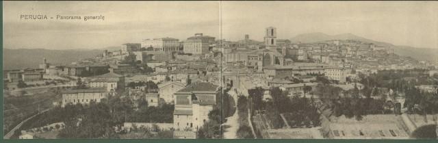 PERUGIA. Cartolina doppia. Panorama generale.