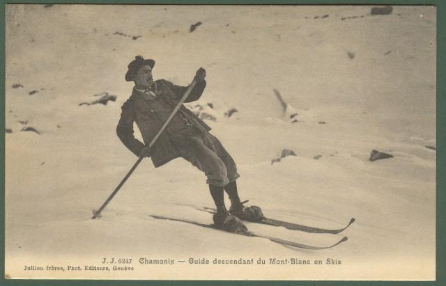 Francia - France. Monte Bianco. Chamonix. Guide descendent du Mont Blanc en Skis. Cartolina d'epoca viaggiata.
