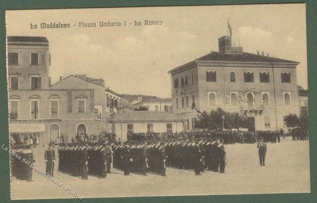 SARDEGNA. LA MADDALENA (Sassari). Piazza UmbertoI'°, La Rivista. Viaggiata dentro busta, nel 1916