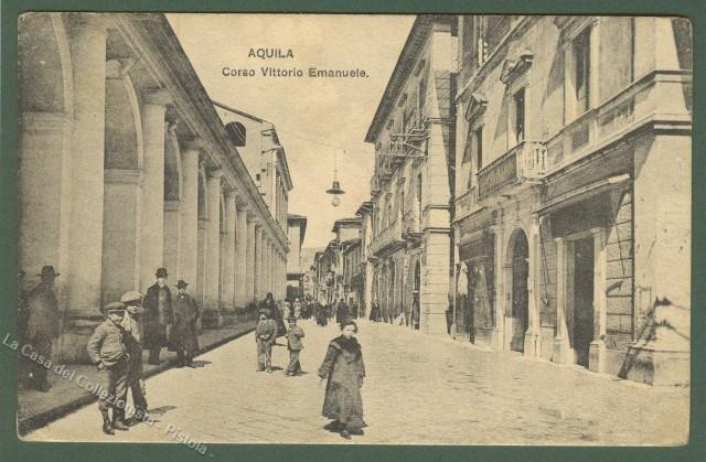 ABRUZZO. AQUILA. Corso Vittorio Emanuele. Cartolina d'epoca, viaggiata nel 1907.