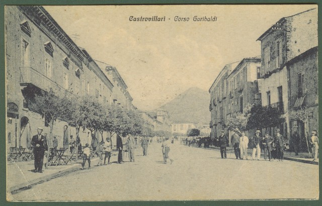(Calabria - Cosenza) CASTROVILLARI. Corso Garibaldi.