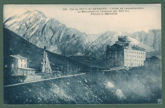 Valle d'Aosta. PICCOLO S. BERNARDO. L'Hotel de Lancebranlette.