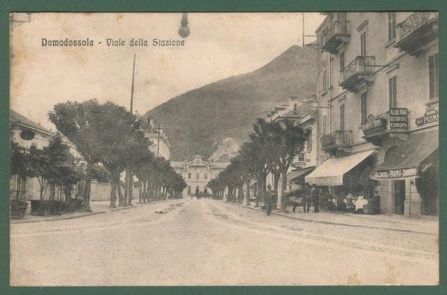 Piemonte. DOMODOSSOLA, Novara. Viale della Stazione. Cartolina d'epoca viaggiata nel 1913.