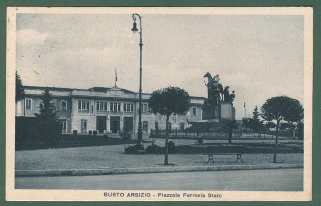 Lombardia. BUSTO ARSIZIO, Varese. Piazzale Ferrovia Stato. Cartolina d'epoca viaggiata nel 1930