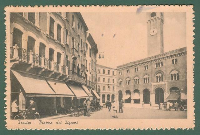 Veneto. TREVISO. Piazza dei Signori. Cartolina d'epoca viaggiata nel 1946