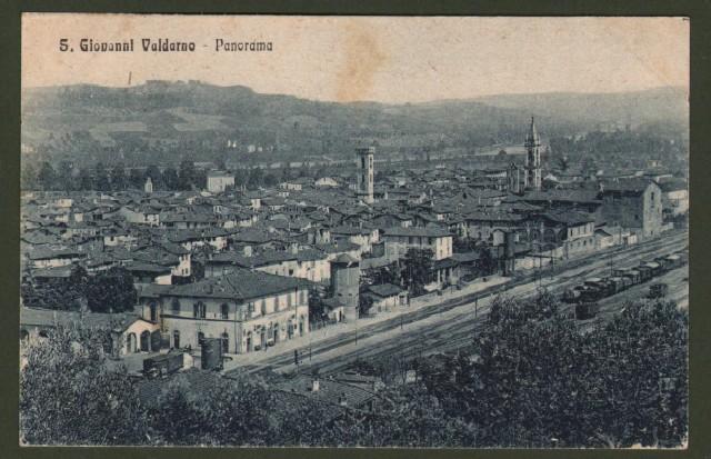 SAN GIOVANNI VALDARNO (Arezzo). Panorama e stazione. Cartolina d'epoca non viaggiata circa 1915.