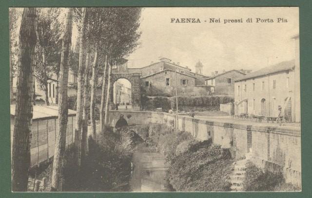 Emilia Romagna. FAENZA, Ravenna. Porta Pia. Cartolina d'epoca viaggiata nel 1915.