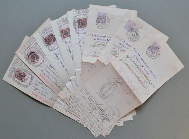 MARCHE DA BOLLO su 8 cambiali (anni 1922 - 1924) da lire 7, lire 10, lire 14. Valori da lire 4  violetto e lire 7,20 su lire 7,20 rosso.